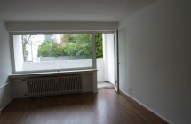 Provisionsfrei Große 3 Zimmerwohnung in TOP-Lage, WG-geeignet. Komplett neu renoviert, neues Bad!